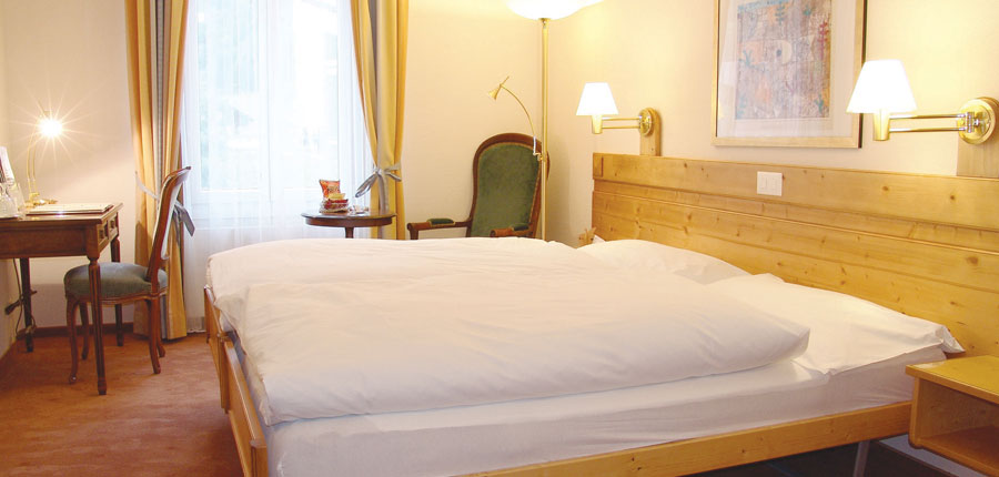 Switzerland_Wengen_Hotel-sunstar-alpine_Twin-Bedroom.jpg